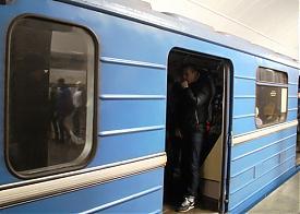 вагон метро без света Екатеринбург|Фото: vk.com/kolotiv