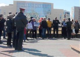 митинг жителей балочного фонда в Сургуте  Фото: forum.isurgut.ru