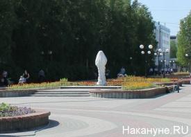 памятник Петухову, в ткани, Нефтеюганск|Фото: Накануне.RU
