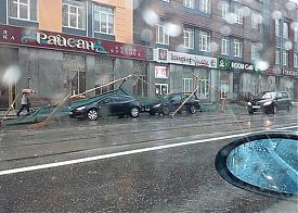 Радищева, стройка, автомобиль |Фото: e1.ru