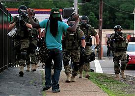 Фергюсон, Миссури, США, погромы, Майдан, бунт, полиция|Фото: AP Photo