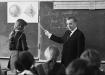 Учитель математики С.Ф. Рубанов во время урока в школе, 1 сентября 1979 года (2019) | Фото: Ч. Мезин/ТАСС