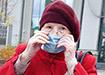 Бабушка в медицинской маске (2020)   Фото: Накануне.RU