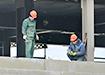 Рабочие на стройке объектов Универсиады в Екатеринбурге (2021) | Фото: Накануне.RU
