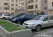 Парковка около жилого дома по ул. Хохрякова, 72|Фото: Накануне.RU