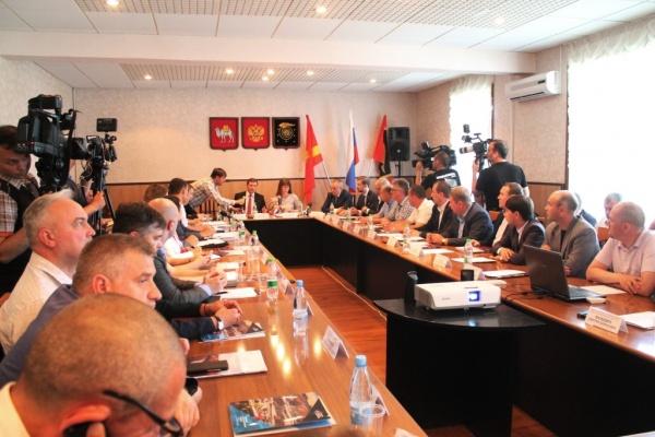 совещание по вопросу размещения хвостов Томинского ГОК в разрезе|Фото: администрация Коркинского района