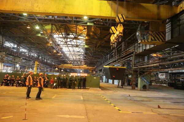 Волжский трубный завод ВТЗ машинист крана Фото: ТМК