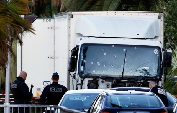 Ницца теракт жертвы грузовик|Фото: REUTERS