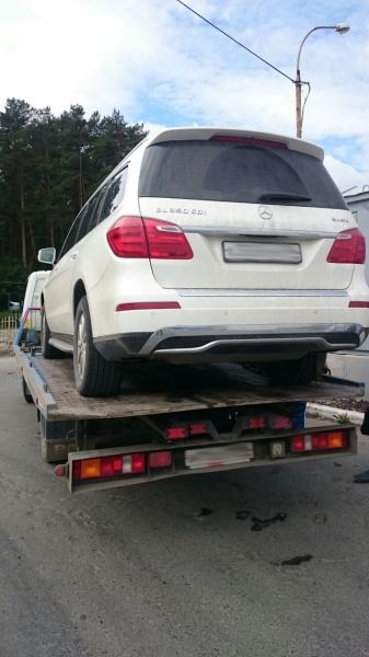 приставы автомобиль арест Фото: УФССП по Свердловской области
