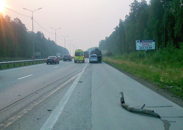 ДТП, ВИЗ, Lada Largus, бензовоз Фото: ГИБДД Свердловской области