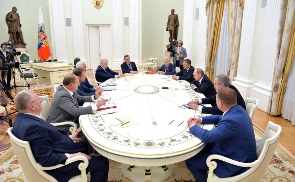 Путин, встреча с руководством фракций, Володин, Зюганов, Нарышкин, Жириновский, Миронов(2016) Фото: kremlin.ru