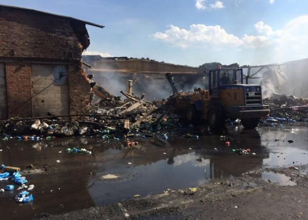 пожар склад Березовский|Фото: МЧС по Свердловской области