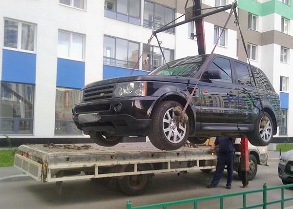 автомобиль, приставы, эвакуатор|Фото: УФССП Свердловской области