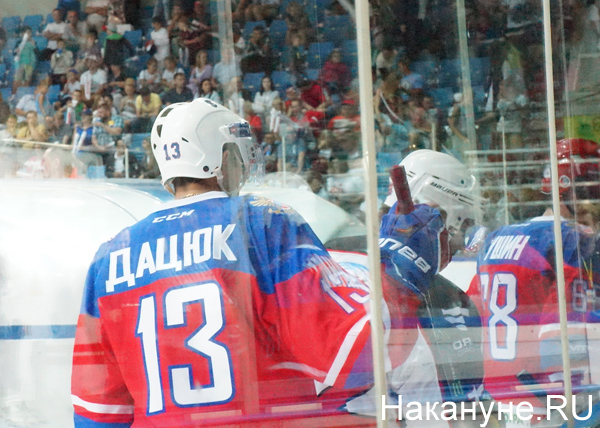 """Друзья Дацюка"" - ""Неоплан"", хоккей(2016)|Фото: Накануне.RU"