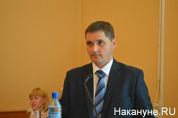 Сергей Сынников отвечает на вопросы депутатов Курганской городской думы|Фото:Накануне.RU