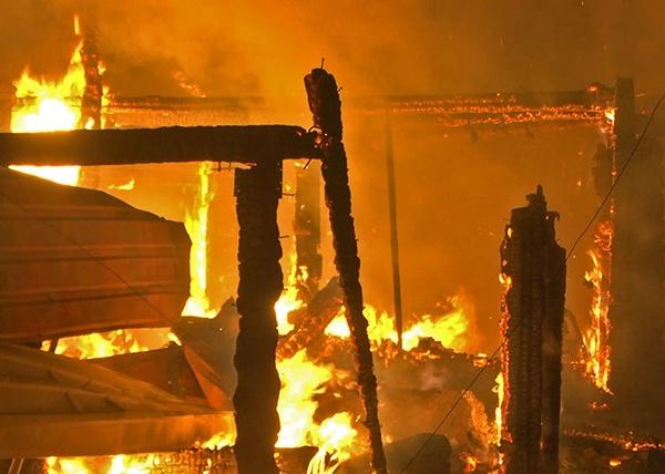 пожар, Екатеринбург, МЧС|Фото:СОВА