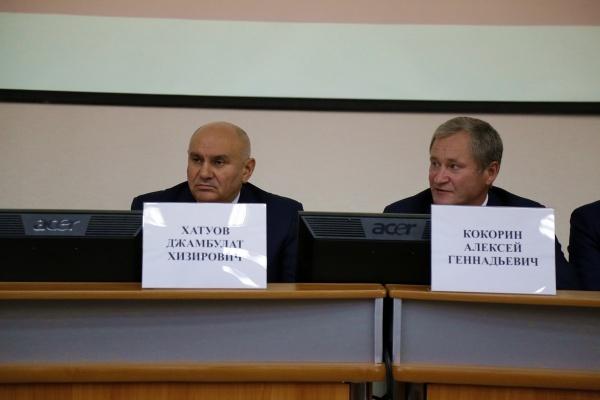 Джамбулат Хатуов и Алексей Кокорин Фото:пресс-служба губернатора Курганской области