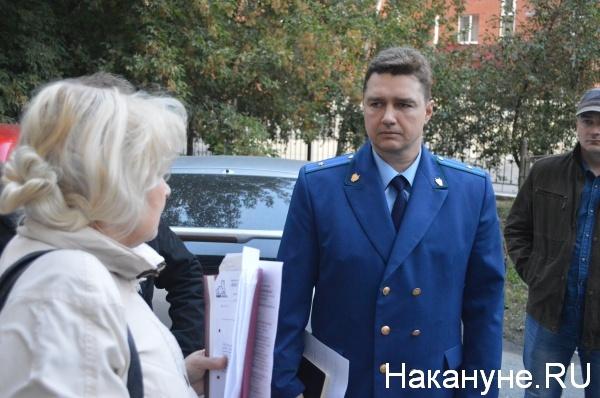 на встречу с жителями пришел представитель прокуратуры города|Фото:Накануне.RU