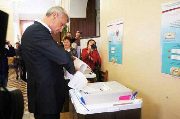 Нижний Тагил выборы голосование 2016 Сергей Носов Фото: администрация Нижнего Тагила