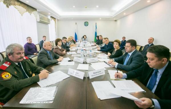 Заседание призывной комиссии, губернатор Наталья Комарова, Югра|Фото:Департамент общественных и внешних связей Югры