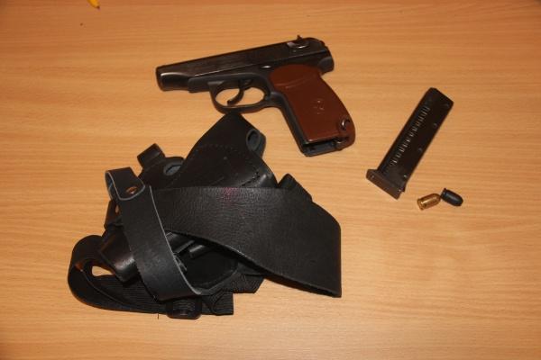 пистолет кобура оружие|Фото: ОМВД России по городу Первоуральску