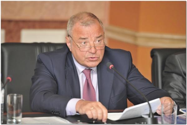 Представитель ХМАО в Совфеде Юрий Важенин|Фото: gazprom.ru