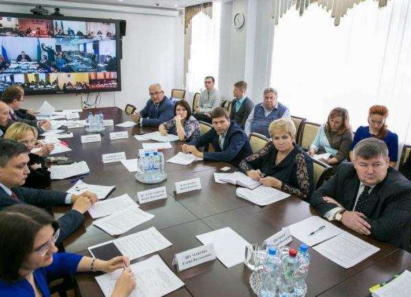 Заседание общественного совета по реализации стратегии социально-экономического развития региона|Фото:Департамент общественных и внешних связей Югры