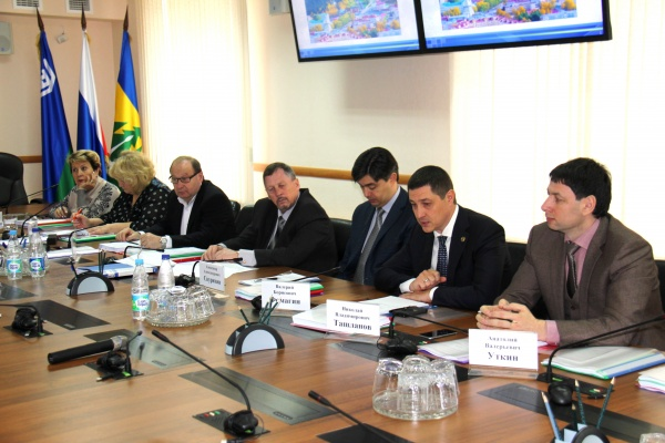 Заседание конкурсной комиссии по выборам главы Ханты-Мансийка Фото: admhmansy.ru