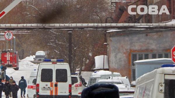 крыша, ЗиК, завод имени Калинина, обрушение|Фото: служба спасения СОВА
