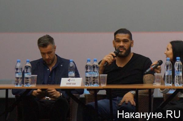 Антонио Бигфут Сильва пресс-конференция|Фото: Накануне.RU