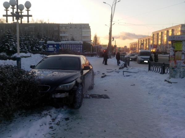 ДТП остановка Нижний Тагил|Фото: ГИБДД Свердловской области