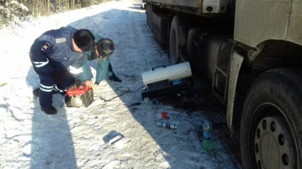 Полиция, дальнобойщик, помощь, мороз трасса Тюмень - Курган|Фото: 72.мвд.рф