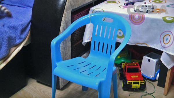 "СОВА, мальчик, стул Фото: служба спасения ""СОВА"""