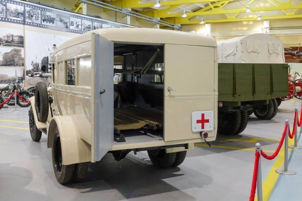 ГАЗ-55, фронтовая неотложка, автомобиль, Музей автомобильной техники УГМК Фото: УГМК