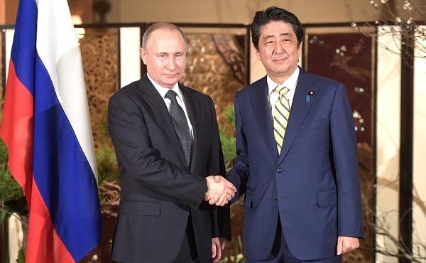 Владимир Путин Синдзо Абэ|Фото: пресс-служба президента РФ