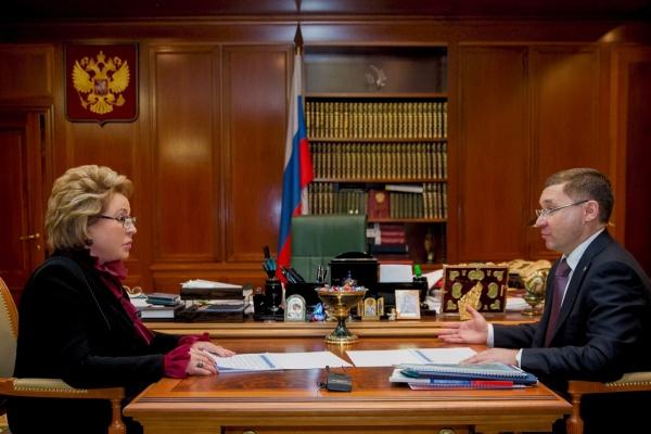 Владимир Якушев, Валентина Матвиенко Фото: http://gubernator.admtyumen.ru/