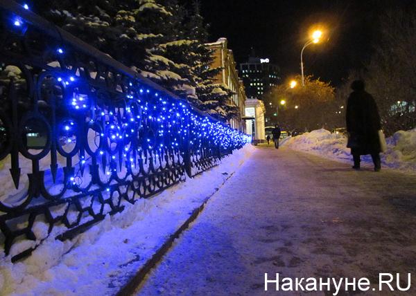 Екатеринбург, Дворец культуры железнодорожников (ДКЖ), новый год, гирлянды, лампочки|Фото: Накануне.RU