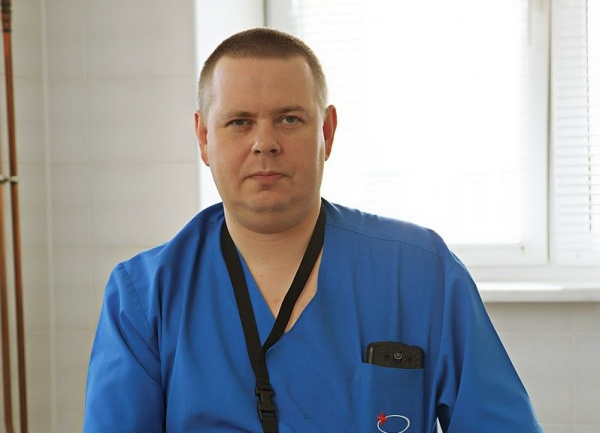 старший ординатор отделения нейрохирургии, кандидат медицинских наук Андрей Екимов|Фото: https://okbhmao.ru/