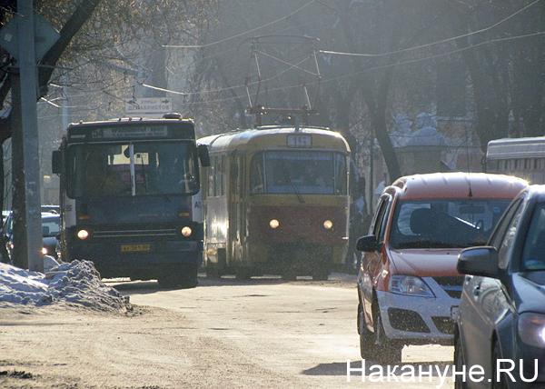 Екатеринбург, транспорт, общественный транспорт, автобус, трамвай, машины|Фото: Накануне.RU