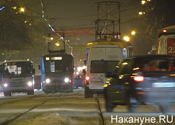 Екатеринбург, транспорт, общественный транспорт, трамвай, маршрутка|Фото: Накануне.RU