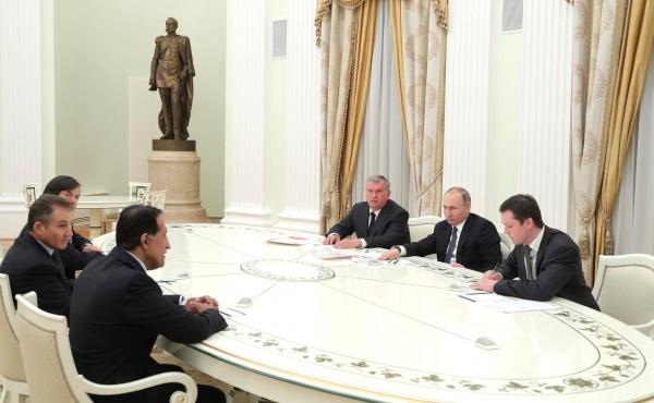 Владимир Путин, Игорь Сечин, инвесторы Роснефти Фото: пресс-служба Кремля