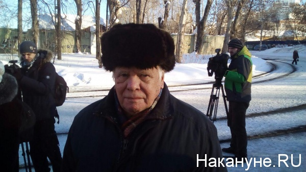 митинг против транспортной системы, повышения стоимости проезда, партия пенсионеров, Лев Смирнов|Фото: Накануне.RU