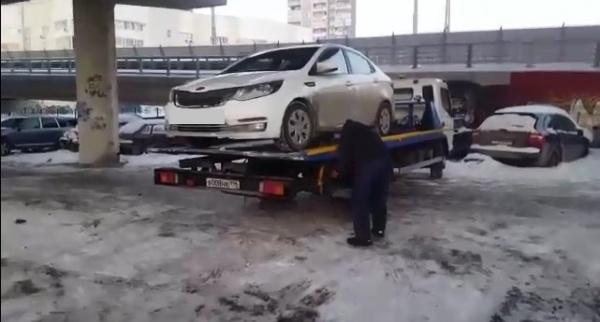 автомобиль, эвакуатор, арест|Фото: УФССП по СО