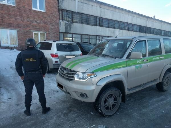 пристав, арест машины Фото: УФССП по СО