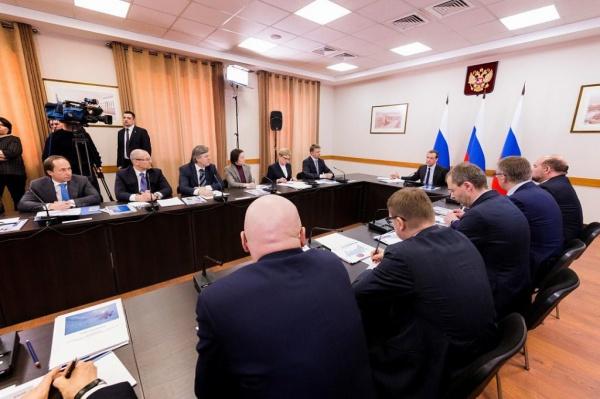 Наталья Комарова, Дмитрий Медведев. совещание по развитию транспорта|Фото: правительство ХМАО