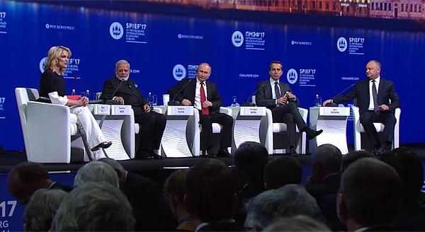 ПМЭФ, пленарное заседание, Владимир Путин Фото: forumspb.com
