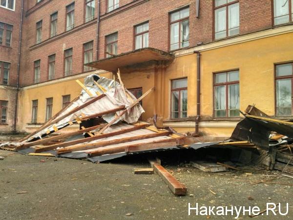 Школа 65, Нижний Тагил, последствия урагана|Фото: Накануне.RU