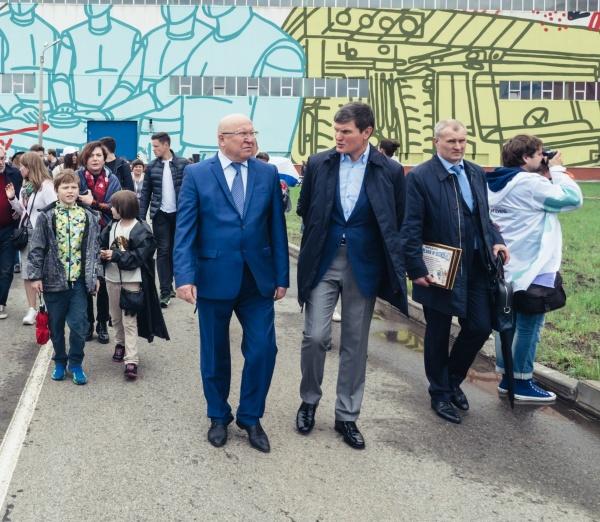 губернатор Нижегородской области Валерий Шанцев, председатель правления ОМК Анатолий Седых|Фото: ОМК