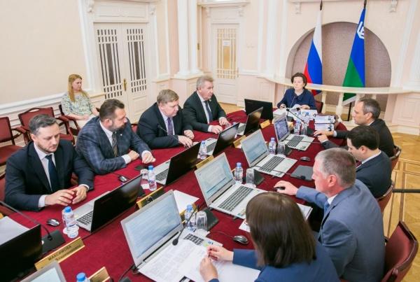 Наталья Комарова, заседание правительства|Фото: Правительство Югры