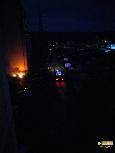 пожар, автомобиль, пожарные|Фото: Инцидент, Вконтакте